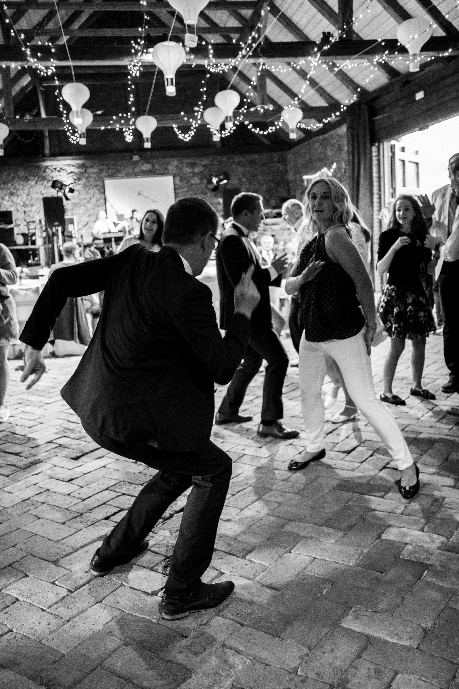 Svatba Staročeská stodola Chrášťany